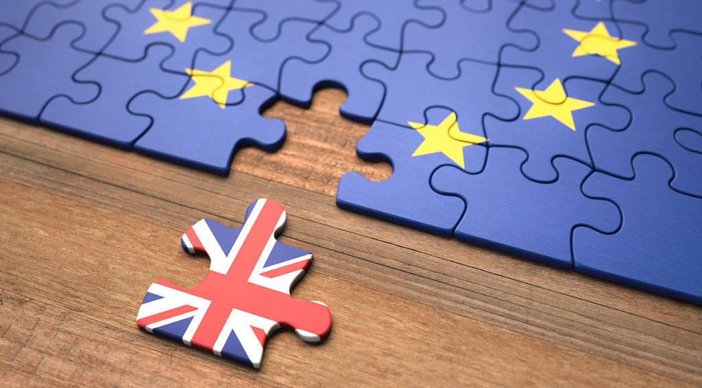 EU-flag-puzzle-and-separate-British-flag-puzzle-piece